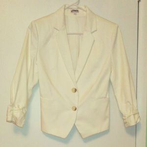 White Buttoned Cropped Blazer